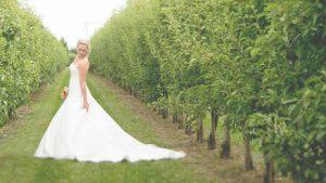 Freie Trauung Noerenberg Juechen Fotoshooting Braut Foto Julia Vogel Photography