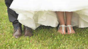 Freie Trauung Noerenberg Juechen Fotoshooting Brautpaar Foto Julia Vogel Photography