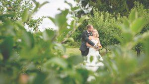 Freie Trauung Noerenberg Juechen Fotoshooting Brautpaar Romantik Foto Julia Vogel Photograhy