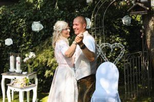 Hochzeitstanz nach der freien Trauung - Eva Berten Photography